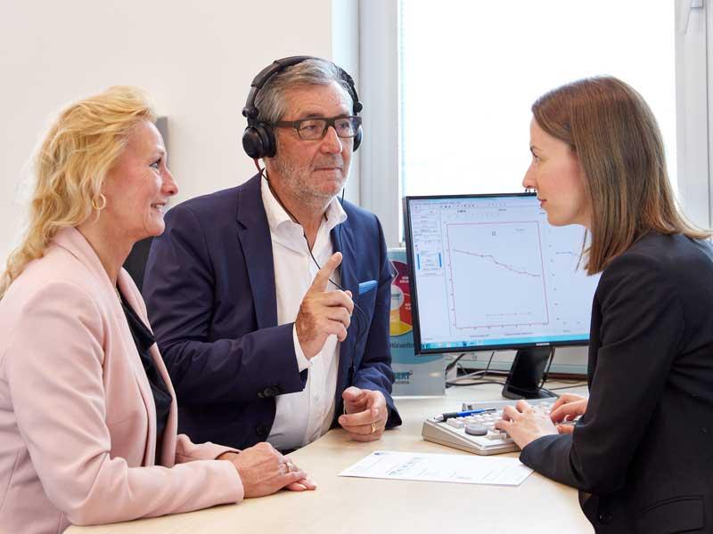 Beim TRABERT® Hörtest wird neueste Technik genutzt. In wenigen Minuten ist klar, ob eine Schwerhörigkeit vorliegt.
