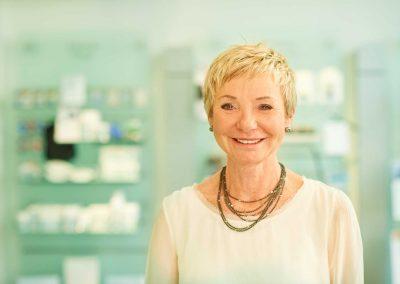 Dr. Barbara Alles